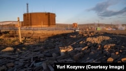 The ecological catastrophe occurred last year when an aged fuel tank at the Norilsk Nickel plant released 21,000 tons of diesel into the Arctic subsoil and the waters of the nearby Ambarnaya River. (file photo).