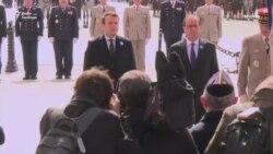 Олланд і Макрон разом взяли участь у церемонії з нагоди закінчення Другої світової війни (відео)
