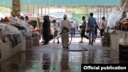 Дезинфекция общественных мест в городе Янгиер, закрытом на карантин, Узбекистан. Иллюстративное фото.