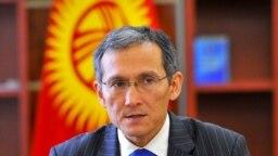 Экс-премьер-министр Оторбаев камалды