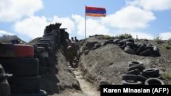 Հայաստանի Զինված ուժերի դիրքերը սահմանի Գեղարքունիքի հատվածում, արխիվ