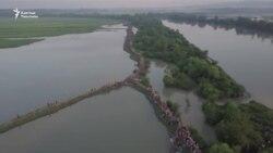 Мьянма: качкындар агымы токтогон жок