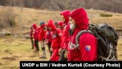 """""""Aplikacija pokaže da li se približavamo, na kojoj je udaljenosti minsko polje, da se možemo reorganizovati"""", kaže Arina Bešlagić (na fotografiji: ekipa sarajevske Gorske službe spašavanja)."""
