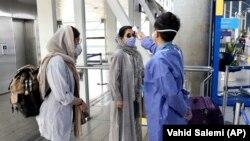 تبسنجی مسافران ورودی به ایران در فرودگاه امام تهران