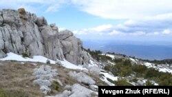 Cadı-Burun dağ töpesinden manzara