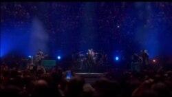 """Eagles of Death Metal"" në koncertin e U2"