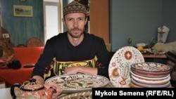 Крымскотатарский керамист Рустем Скибин