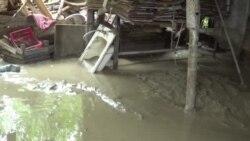 Göyçaya yağan güclü yağış evlərə ziyan vurdu