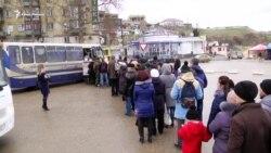 Севастополь без катерів: люди стоять у чергах на маршрутки