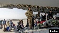 Кабул аэропорту. 2021-жылдын 18-августу. Иллюстрациялык сүрөт.