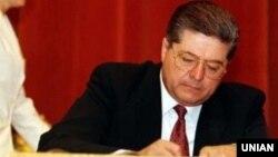 Лазаренко нині відбуває покарання у США
