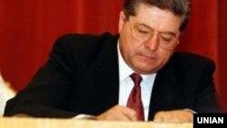 Pavlo Lazarenko in a 1997 photograph