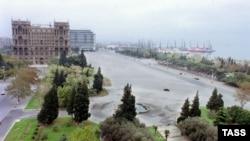 Площадь Свободы в Баку.