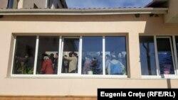 La secția de votare din Doroţcaia, Dubăsari