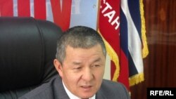 General Ismail Isakov resigned to join the opposition in 2008.