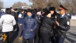В Алмати торговці вимагають розслідування пожежі на ринках