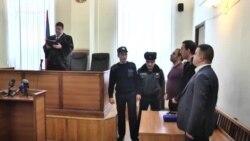 Ցմահ դատապարտյալ Աշոտ Մանուկյանն ազատ արձակվեց դատարանի դահլիճից