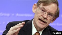 Outgoing World Bank President Robert Zoellick