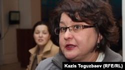 «Әділ сөз» қорының заңгері Елена Малыгина. Алматы, 28 ақпан 2013 жыл.
