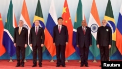 Кытай, Бразилия, Орусия, Түштүк Африка президенттери БРИКС саммитинде.