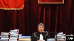 Апрель окуясы боюнча ишти караган судья Дамир Оңолбеков.