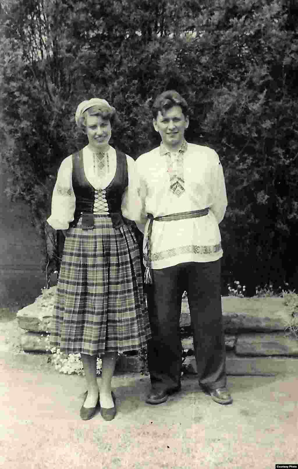 На вясельлі прафэсара Дэніса, Лювэн, 1951