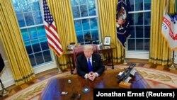 Дональд Трамп даёт интервью журналистам Reuters в Белом доме, 11 декабря 2018 года