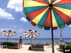 """Обычный пляж в """"нецивилизованном"""" Таиланде"""