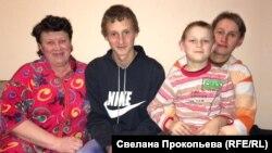 Светлана Мороз, ее мама и сыновья
