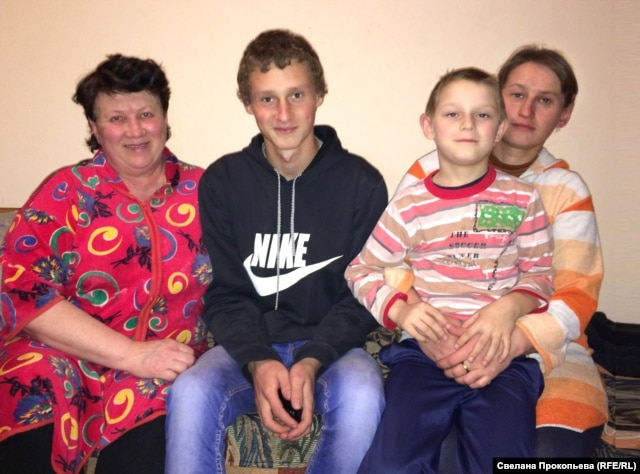 Svitlana Moroz (right), her two sons, and mother, Irina Germanovna, currently live in a bleak hotel in Pskov and fear they could be kicked out under tougher new rules for refugees from eastern Ukraine.