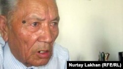 Председатель сельского совета ветеранов Смагул Садыкулы. Село Коксай Алматинской области, 18 июля 2012 года.