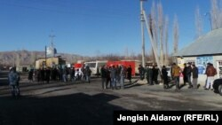 Баткен облысы Ақ-Сай ауылы маңындағы тәжік-қырғыз шекара бекеті. 11 қаңтар 2014 жыл.