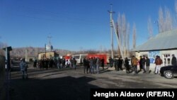 На границе Кыргызстана и Таджикистана. Баткенская область, 11 января 2014 года.