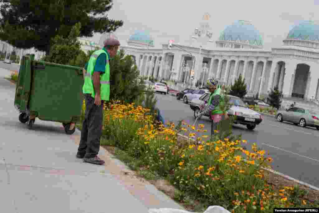 There are dozens of gardeners constantly tending the flowers that line Ashgabat's main roads -- a challenge in Turkmenistan's notoriously hot, dry climate.