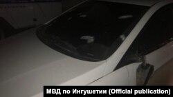 Обстрелянная машина, в которой находился Ибрагим Белхароев