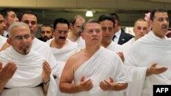 Королю Иордании Абдалле (в центре) остается только молиться за то, чтобы у соседей наконец кончилась война