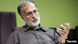 محمد عطریانفر، معاون سیاسی وزارت کشور در دولت هاشمی رفسنجانی و رئیس شورای شهر تهران در سال ۸۰