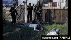 Напад на вёску Мікалаеўка. Фрагмэнт відэазапісу