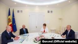 Встреча представителей телерадиокомпании МИР с премьр-министром Павлом Филипом