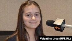 "Mihaela Anton, elevă la liceul ""Spiru Haret"""