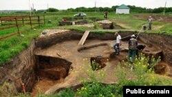 Болгарда археологлар казу эшләрендә. Turfront фотосы