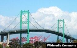The Vincent Thomas Bridge