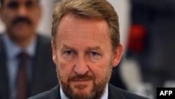 Бакир Изербегович
