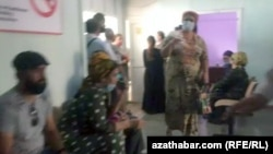 Sources say Ashgabat's hospitals are being overwhelmed. (file photo)