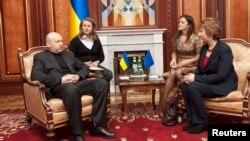 Олександр Турчинов і Катрін Аштон під час зустрічі в Києві, 24 лютого 2014 року