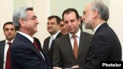 Armenia - President Serzh Sarkisian (L) meets with Iranian Foreign Minister Ali Akbar Salehi, 8Nov2011.