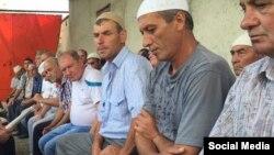 Молебен в доме арестованного в Крыму Али Асанова, архивное фото