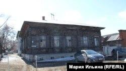 Деревянный дом в центре Омска