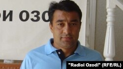 Мухсин Мухаммадиев в офисе радио Озоди. Фото: 2012 год