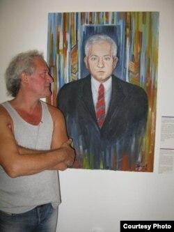 Dan Alexe și portretul lui Sanader in Muzeul relațiilor distruse din Zagreb (Museum of Broken Relationships).